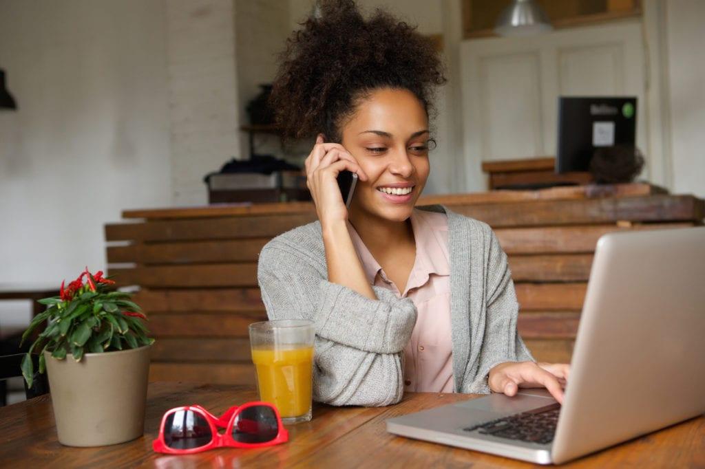 Bonfe Customer Commitment - woman calling